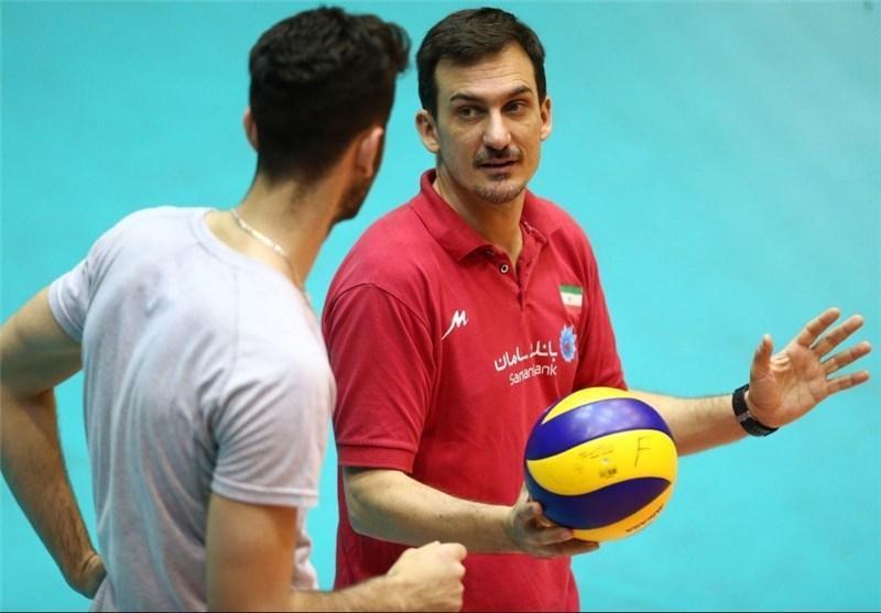 سیچلو تهران را ترک کرد