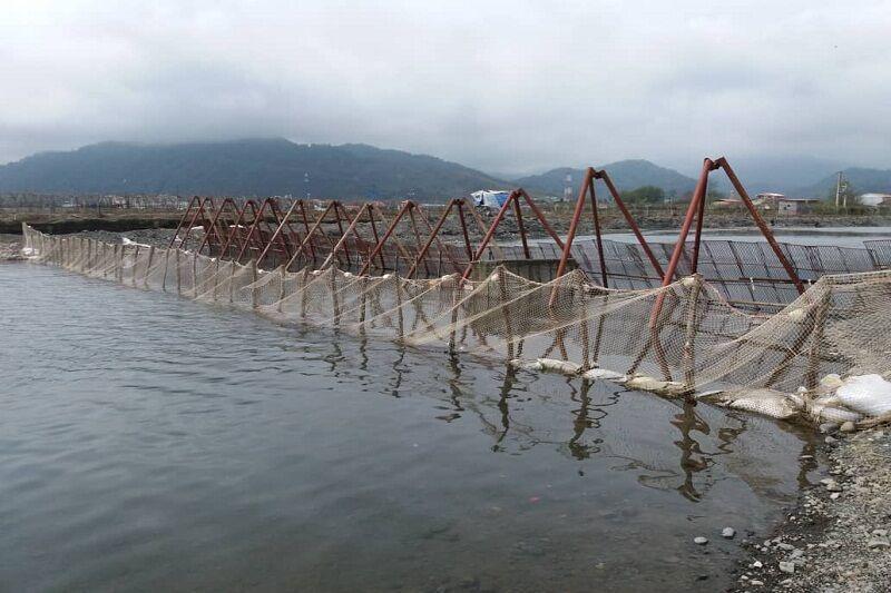 خبرنگاران استقرار تیم تکثیر ماهی در رودخانه چلوند آستارا