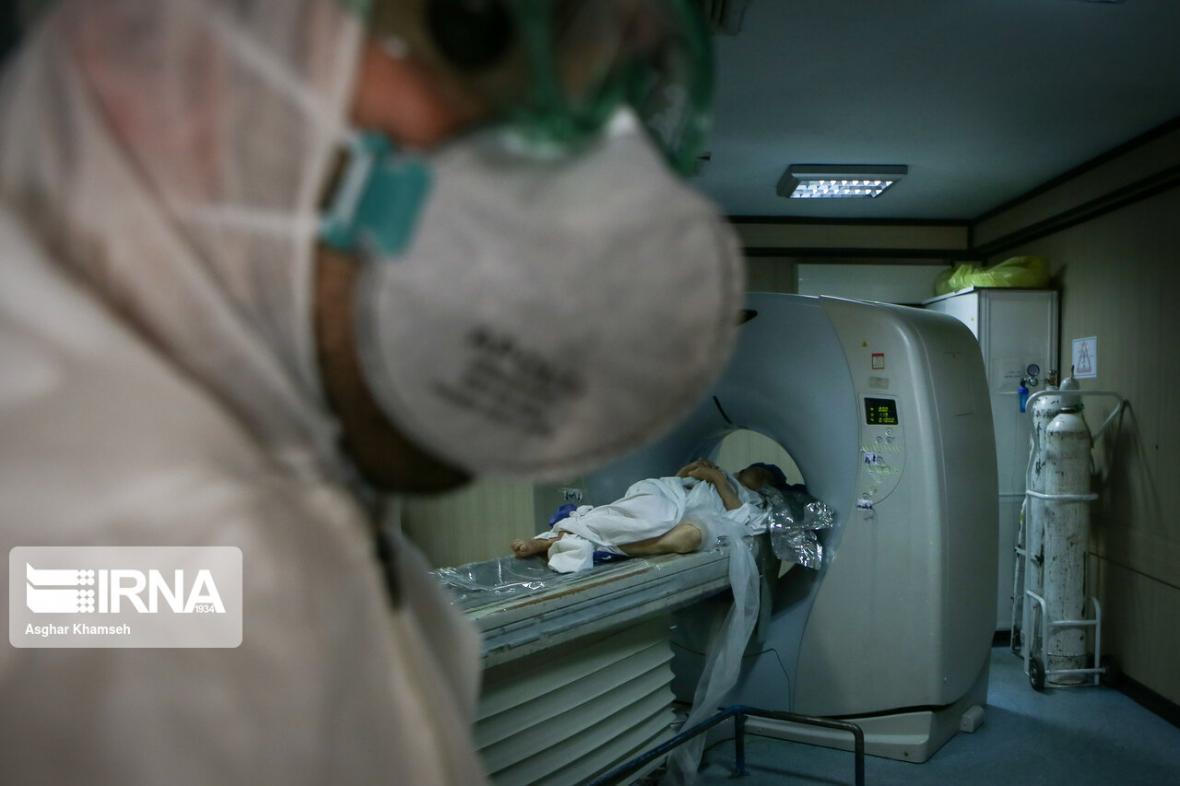 خبرنگاران کمک 500 میلیون تومانی یزدی ها به کادر درمان استان