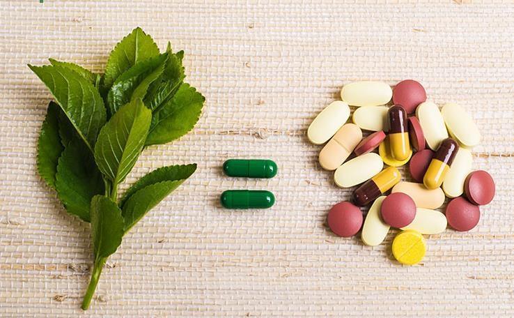 رقابت میان طب سنتی و طب مدرن برای خنثی کردن بمب کرونا ویروس