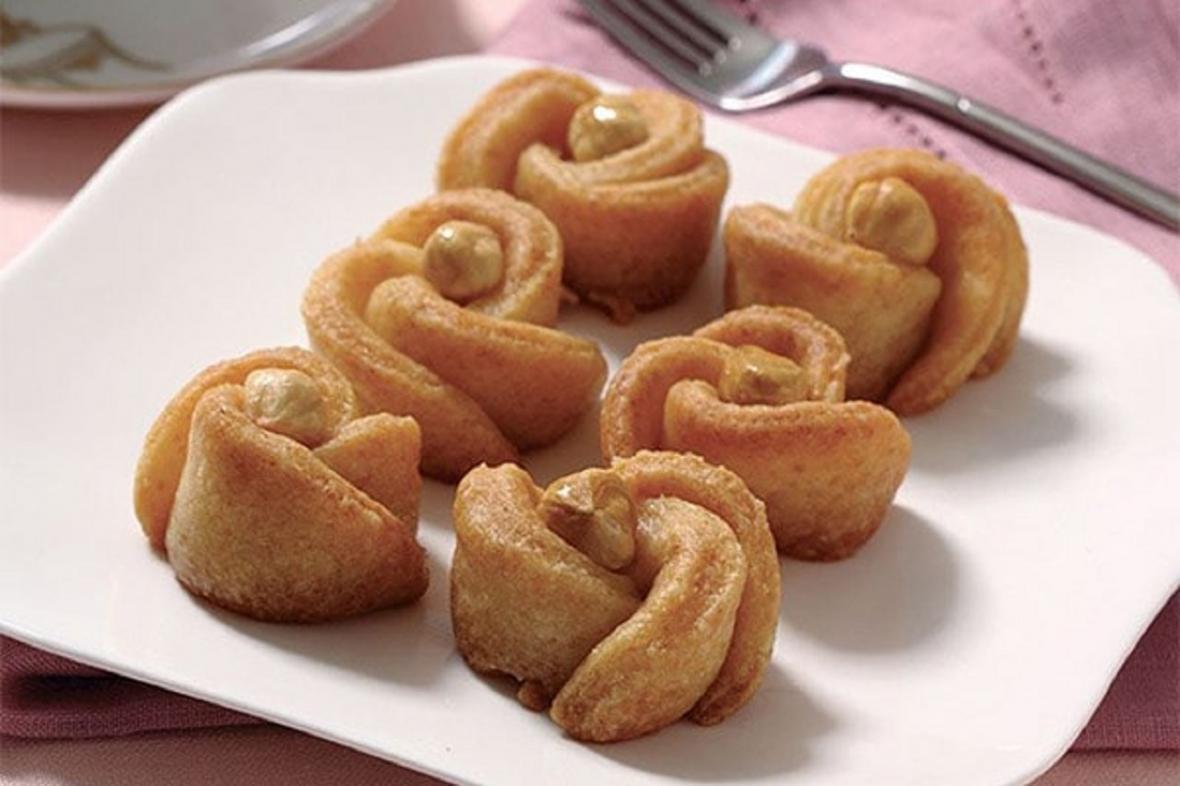 طرز تهیه شیرینی گل رز