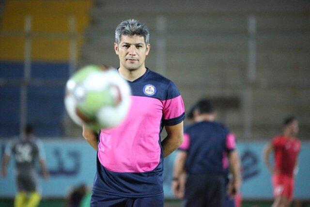 مربی نفت مسجدسلیمان: دلخوشی مردم همین فوتبال است، نمی گردد جلوی کرونا را گرفت