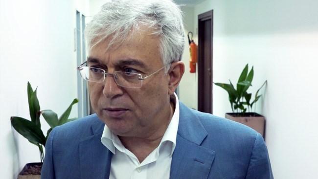 وزیر صنعت باید بروکراسی های حاکم بر این وزارتخانه را سبک تر کند