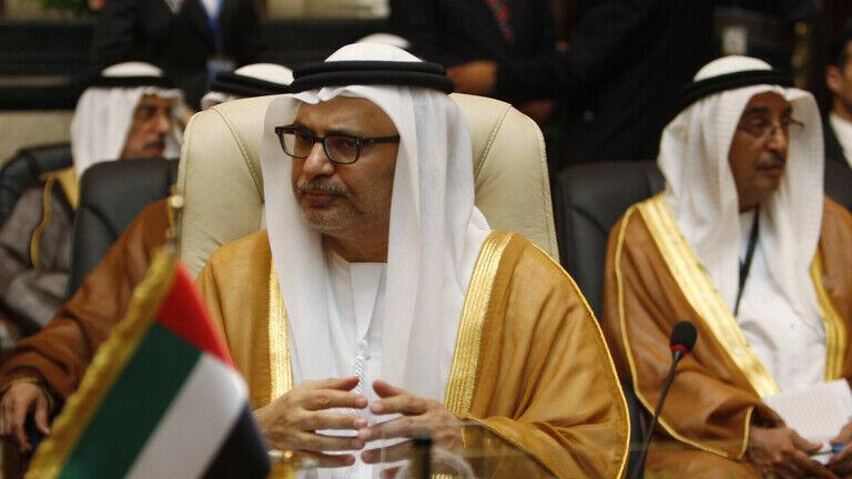 انور قرقاش: رسانه های قطر حل بحران شورای همکاری خلیج فارس را تضعیف می نمایند