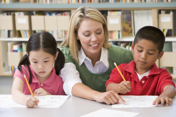 بهترین راه تقویت دیکته دانش آموز ابتدایی